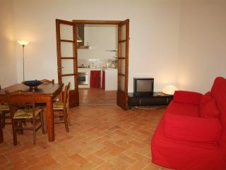 Romantic 1 bedroom Apartment in Cetona with Internet Access - Cetona vacation rentals
