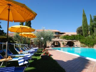 1 bedroom B&B with Internet Access in San Quirico d'Orcia - San Quirico d'Orcia vacation rentals