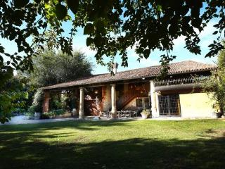 Nice Farmhouse Barn with Internet Access and A/C - Barbarano Vicentino vacation rentals