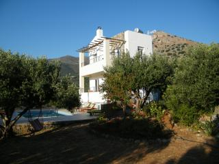 Bright 3 bedroom Elounda Villa with Internet Access - Elounda vacation rentals