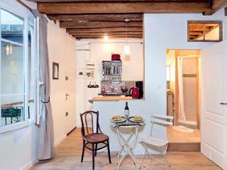 Enchanting Marais Studio - ID# 317 - Paris vacation rentals