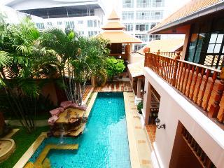 3 bedrooms pratamnak villa - Chon Buri vacation rentals