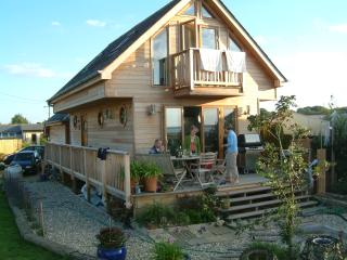 Sunny Chalet with Internet Access and Television - Gurnard vacation rentals