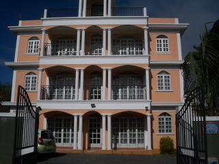 2 bedroom Apartment with Internet Access in Mont Choisy - Mont Choisy vacation rentals