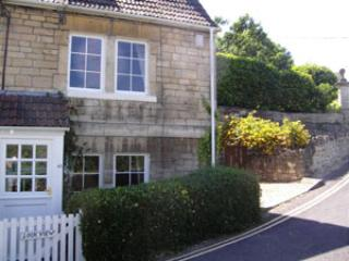 Cozy 2 bedroom Bradford-on-Avon Cottage with Internet Access - Bradford-on-Avon vacation rentals
