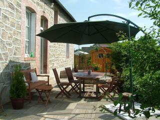 Bright 4 bedroom House in Aubusson with Internet Access - Aubusson vacation rentals