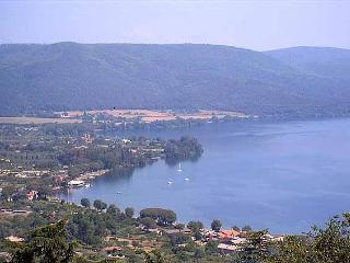 Villa Panorama, pool, nearby Rome, Lake and Sea - Sutri vacation rentals