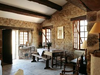 Nice House with Internet Access and Dishwasher - Saignon vacation rentals