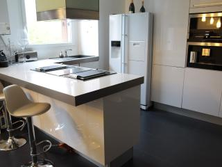 Nice Condo with Internet Access and Dishwasher - Montevrain vacation rentals