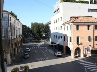 Charming 4 bedroom B&B in Treviso with Internet Access - Treviso vacation rentals