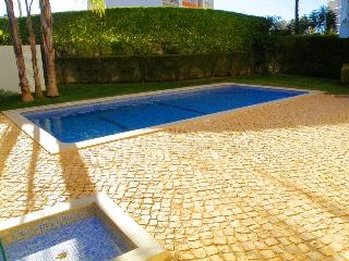 2 Bedroom Apartment w/ pool - Portimão vacation rentals