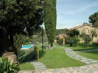 Perfect Farmhouse Barn with Internet Access and Dishwasher - Citta della Pieve vacation rentals