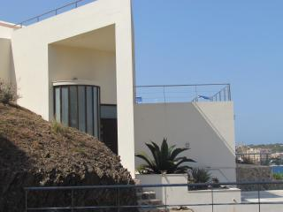 Lovely 3 bedroom Mahon Villa with Dishwasher - Mahon vacation rentals