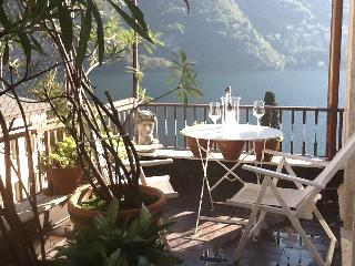 Romantic 1 bedroom Laglio Condo with Internet Access - Laglio vacation rentals