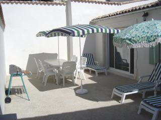 Charming House with Television and Microwave in Ile de Re - Ile de Re vacation rentals