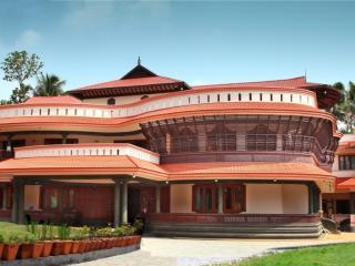 Bright 10 bedroom Kochi Villa with Internet Access - Kochi vacation rentals