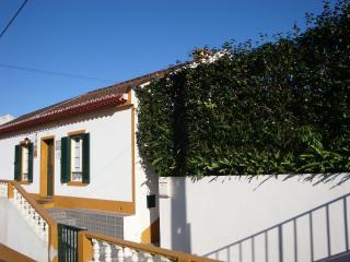 Casa da Água Quente - RRAL 129 - Furnas vacation rentals