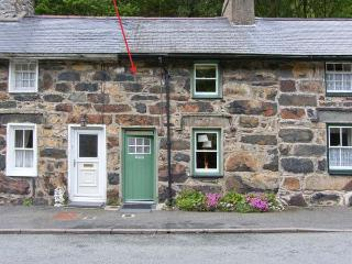 COPPER MINER'S COTTAGE woodburning stove, terraced garden, village centre in Beddgelert Ref 13851 - Beddgelert vacation rentals