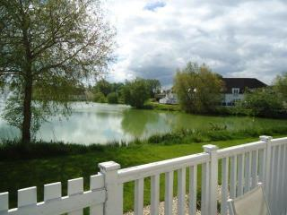Stylish Lake Lodge in the Cotswolds - South Cerney vacation rentals