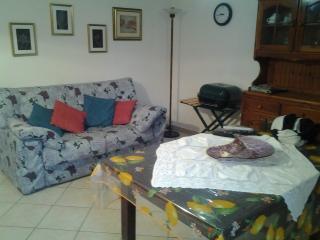 Bright 2 bedroom Apartment in Viddalba with Central Heating - Viddalba vacation rentals