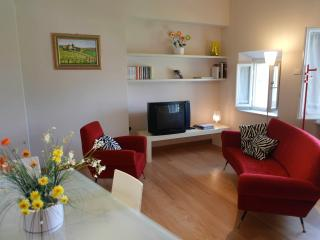 LE PALME - City Center Exclusive Apt. AC&Lift&Wifi - Lucca vacation rentals