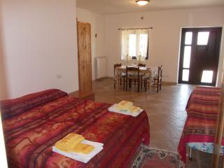 Nice 1 bedroom Apartment in Navelli - Navelli vacation rentals