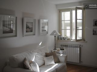 Cozy 1 bedroom Apartment in Trieste - Trieste vacation rentals