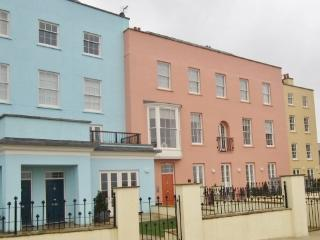 Perfect 4 bedroom Tenby Townhouse with Internet Access - Tenby vacation rentals