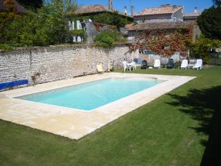 5 bedroom House with Television in Fort sur Gironde - Fort sur Gironde vacation rentals