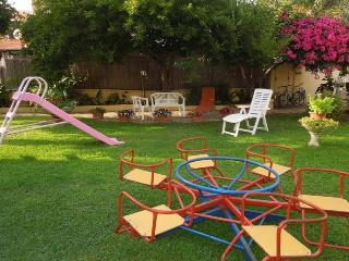 Bright 2 bedroom House in Girasole with Internet Access - Girasole vacation rentals