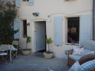 Nice House with Washing Machine and Balcony - Ansignan vacation rentals