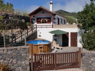 Romantic 1 bedroom Cottage in Erjos - Erjos vacation rentals