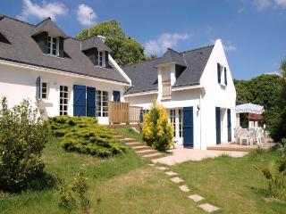 27689 Large Breton villa with private indoor pool - Clohars-Carnoet vacation rentals