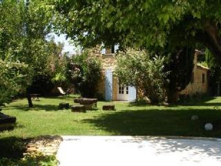 Nice Gite with Internet Access and A/C - Uchaux vacation rentals