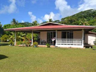Cozy 2 bedroom Uturoa Villa with Internet Access - Uturoa vacation rentals