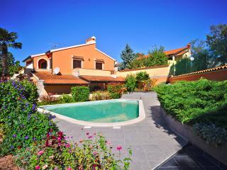 VILLA NICOLE WITH POOL FITNESS - Pula vacation rentals