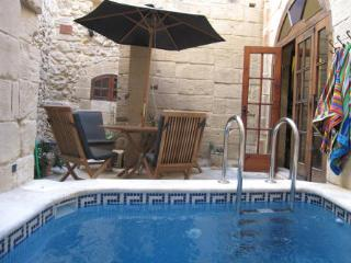Beautiful Townhouse with A/C and Toaster - Mdina vacation rentals