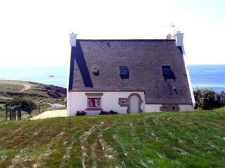 27688 Seaside villa with hot tub and sauna - Doelan vacation rentals