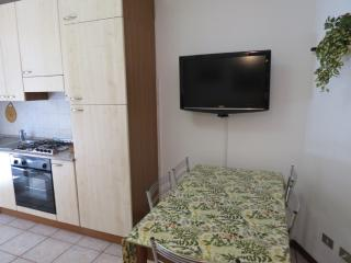 1 bedroom Condo with Parking in San Terenzo - San Terenzo vacation rentals