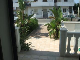 Ampia villetta con giardino - 4 camere - Torre San Giovanni vacation rentals