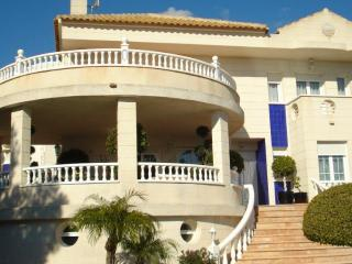 Lovely 6 bedroom Villa in La Nucia - La Nucia vacation rentals
