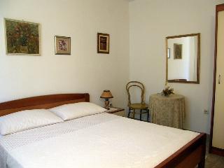 Nice 2 bedroom Tucepi Apartment with Internet Access - Tucepi vacation rentals