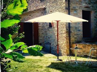 """Casa Vacanza """"Il Mulino"""" - Sant'Angelo in Vado vacation rentals"""