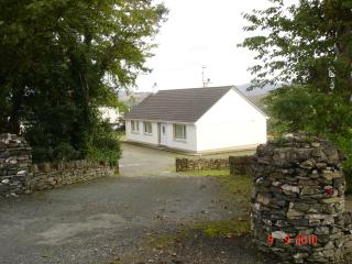 Nice 3 bedroom Cottage in Creeslough - Creeslough vacation rentals