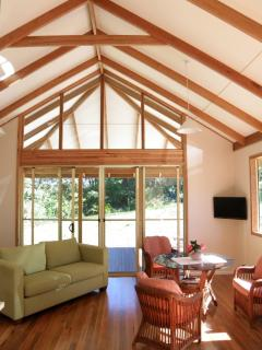 Romantic 1 bedroom Bellingen Cottage with Deck - Bellingen vacation rentals