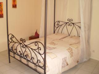 Romantic 1 bedroom Bed and Breakfast in Metz - Metz vacation rentals