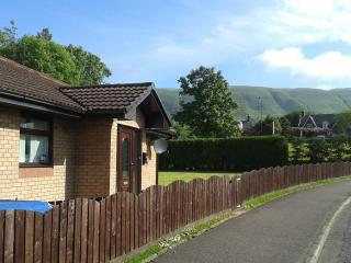 Lovely Bungalow with Deck and Internet Access - Lennoxtown vacation rentals