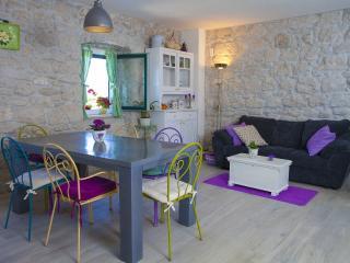 Mediterannean style, cute stone holiday home Giran - Makarska vacation rentals