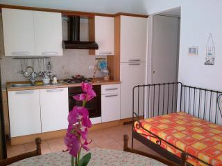 Romantic 1 bedroom Vasto Condo with Washing Machine - Vasto vacation rentals