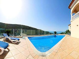 Bright 3 bedroom Villa in Benitachell with Internet Access - Benitachell vacation rentals